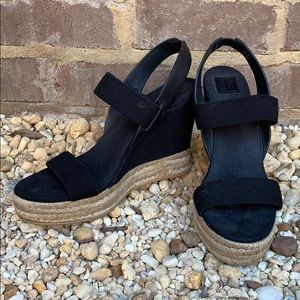 Tory Burch black wedge shoes sz 10 1/2 EUC